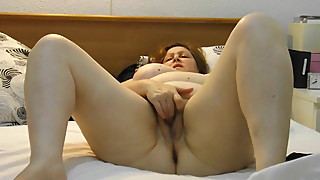 homemade, chubby wife masturbates untill orgasm