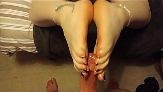 Footjob, cum on soles. Sexy hot milf gives awesome footjob no3