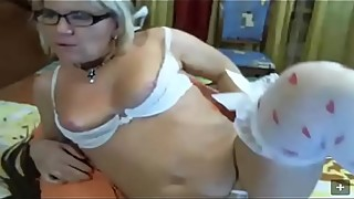 Hot Mature Milf from hotpornocams.com masturbate on camshow