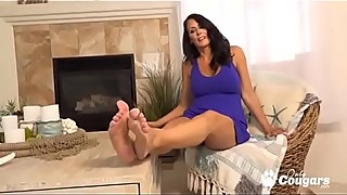 Busty Mature Housewife Regan Fox Rubbing Her Pussy Until She Cums