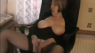 Hot Wife wanks him off