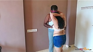 Indian milf aunty shanaya fucked in standing position